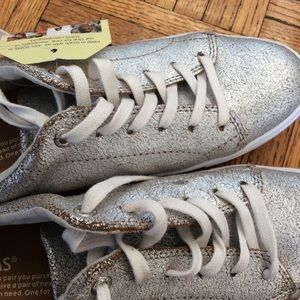 ebc84e9ec9d TOMS Shoes - TOMS distressed silver sneaker